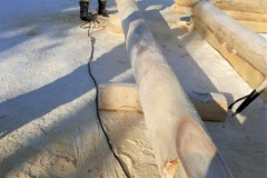 Then-cut-log-ends-rough-notches-and-saddles-and-sand-the-saddles-smooth.