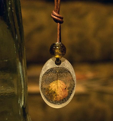 Hannah Gerrish small oval pendant